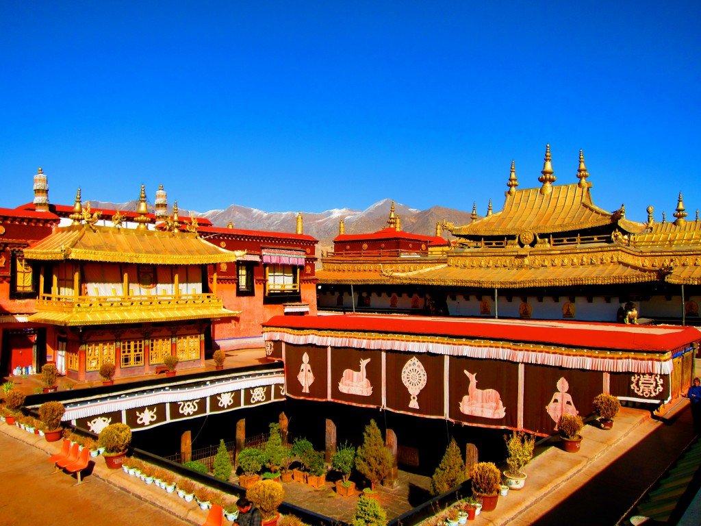 Traveling in Tibet, the Rooftop of the World