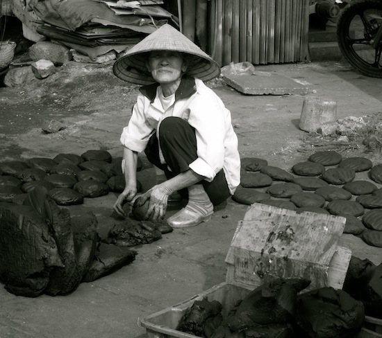 People from Around the World #2 - Halong Bay, Vietnam
